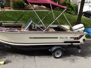 Blue Fin 16' Ski Boat w/ 60 HP Motor and Trailer for Sale in Little Orleans, MD