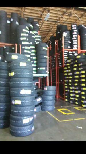 🎈Hoy Lunes🎈 tenemos grandes especiales🎈 en llantas nuevas y rines super especiales🎈 visítanos servicio de mecánico a/c🎈 abierto 7 días 24 horas for Sale in Phoenix, AZ
