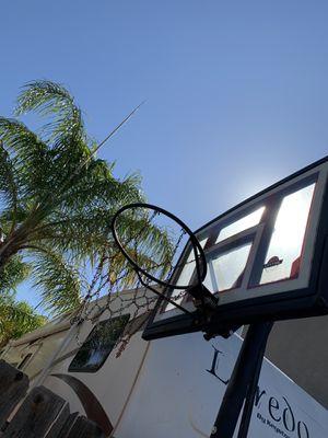 Basketball hoop for Sale in Manteca, CA