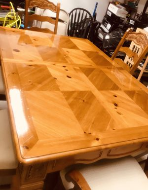 Dining room set and 8 chairs for Sale in Affton, MO