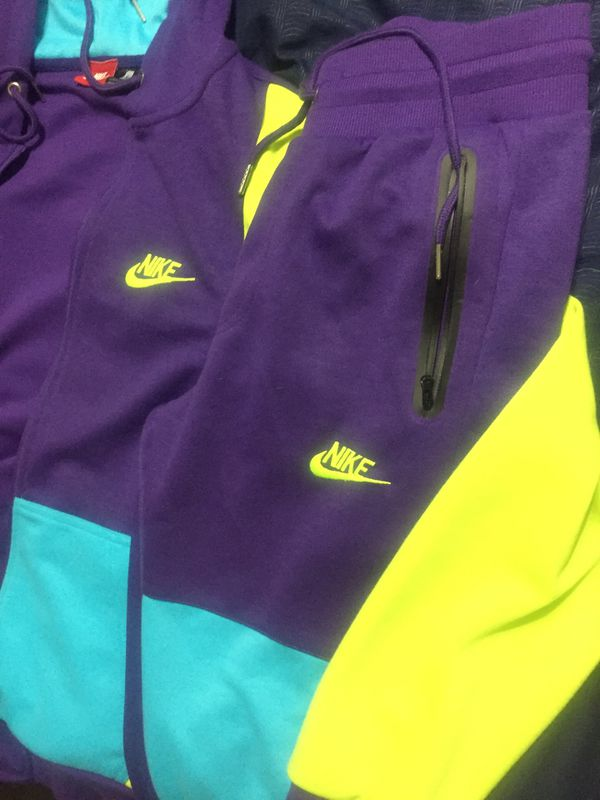 Men's small Nike suit brand new