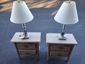 Nightstand and Lamp set for Sale in Chandler, AZ