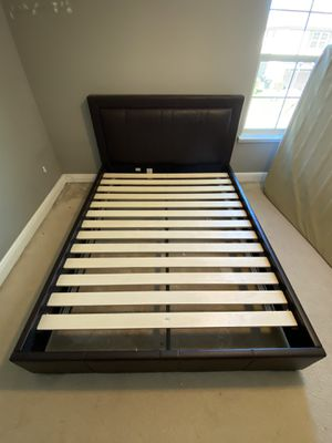 Queen Bed Frame (Leather) for Sale in Orlando, FL