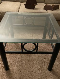 Couch in Fantastic Condition, W 46 Inch TVs And A Glass Top Coffee Table for Sale in Tigard,  OR