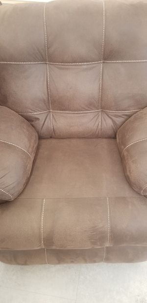 Bramd New Leather Recliner for Sale in Fresno, CA