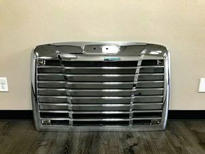 NEW FREIGHTLINER CENTURY GRILLE WITH BUG SCREEN for Sale in Commerce City, CO
