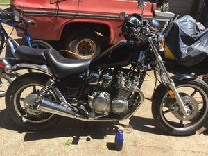 Motorcycle 1985 YAMAHA 700 MAXIM 1800 OBO. In good condition. A very nice bike for Sale in Portland, OR