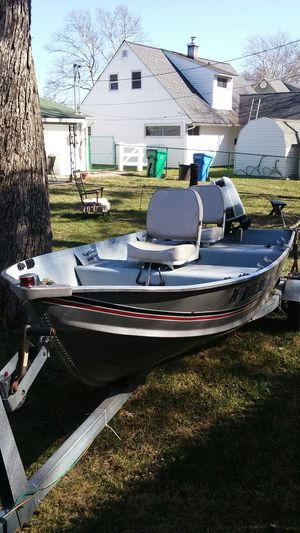 12 foot aluminum boat with trailer. for Sale in Levittown, PA