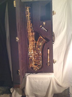 SUZUKI SAXOPHONE BRAND NEW (why rent) for Sale in Bedford, OH