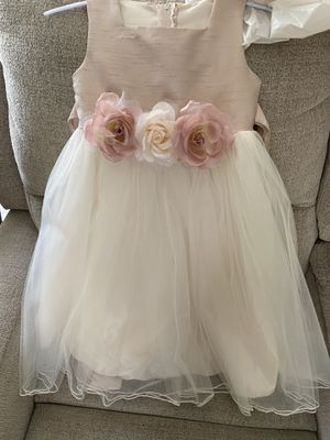 girls dresses 3/4 and 5/6 size for Sale in Perris, CA