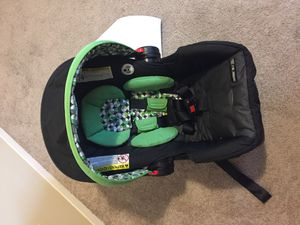 Graco car seat carrier for Sale in Seattle, WA