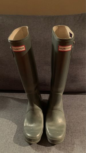 Hunter Rain Boots Tall Gloss Size 7F for Sale in Chicago, IL