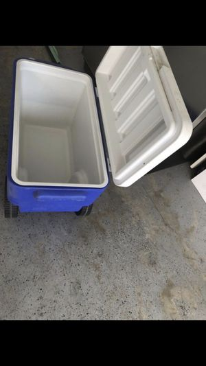 Wheeled Cooler for Sale in Moreno Valley, CA