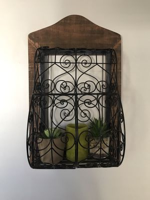 Wall Planter Storage Decor Wooden Steel Frame for Sale in Berwyn Heights, MD