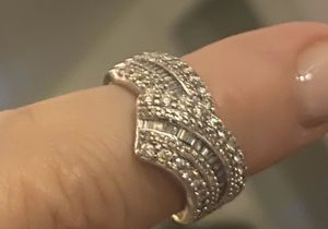 1 carat Diamond ring 10K gold with all paperwork plus insurance for Sale in Barrington, IL