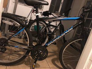 Road master Mountain bike for Sale in Pawtucket, RI