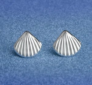 ✔️ Sterling silver seashell earrings for Sale in Lake in the Hills, IL