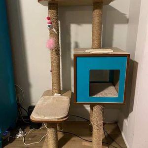 Rare Vesper Tall Cat Tree for Sale in Los Angeles, CA