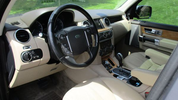 2012 Land Rover LR4 4WD
