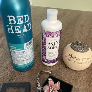 Variety Of Items. Shampoo, Candle, Body Wash, Handbag Holder for Sale in South Amboy, NJ