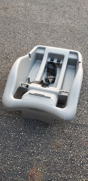 Costco car seat platform for Sale in Warren, OH