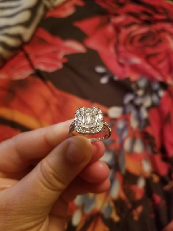 Ring silver esterling zirconia stamp 925 size 9