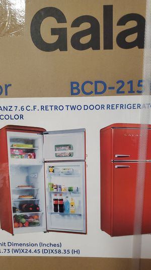 Refrigerator Galanz 7.6 C.F Retro two door for Sale in Charlotte, NC