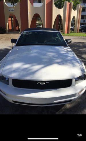 Ford Mustang 2007 Premium 6V for Sale in Aventura, FL
