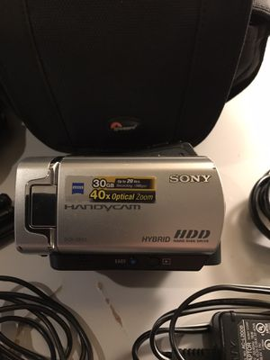 Sony Handycam HDD 30GB DCR SR45 for Sale in Auburn, WA