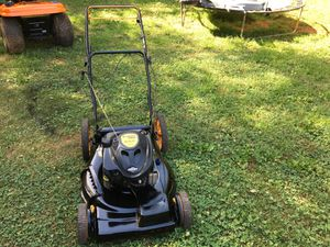 """Poulan Self Propelled Mower 6.25HP 22"""" Cut Side Discharge for Sale in King, NC"""