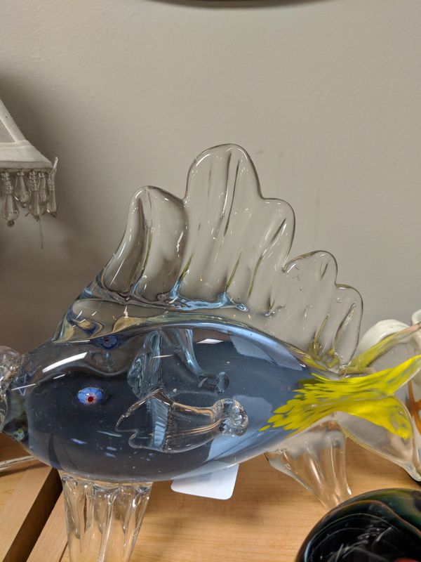 HANDBLOWN GLASS FISH COLLECTABLE