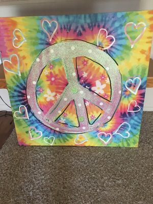 """NEVER HUNG Tie-Dye canvas would look great in teen's or tween's room! 32""""x32"""" for Sale in Wildomar, CA"""