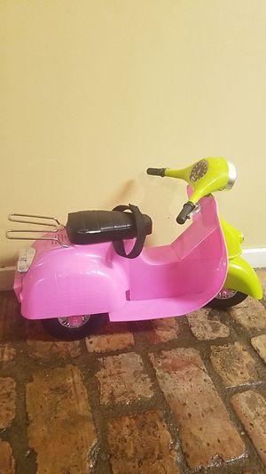Og girl skooter bike with the helmet for Sale in Brandon, MS