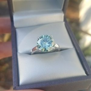 Beautiful 4.21 CT VVS1 WHITE ICE BLUE MOISSANITE DIAMOND 925 Sterling Silver Ring Engagement Size 7 for Sale in Edgewater Park, NJ
