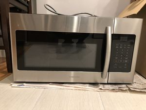 Brand new Samsung over the range microwave for Sale in La Puente, CA