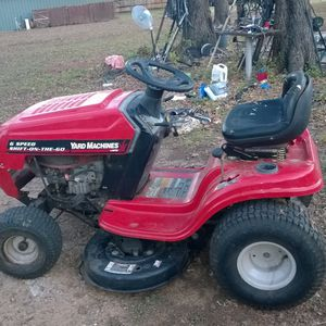 "Yard Machine 6 Speed Riding Mower 38"" Cut Shift On The Go 13.5 HP NEW BATTERY for Sale in Hurst, TX"
