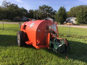 Rears sprayer 500 gallom for Sale in Frostproof, FL