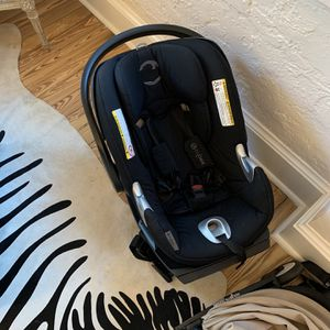 Cybex Platinum cloud Q Car Seat and Base for Sale in West Palm Beach, FL