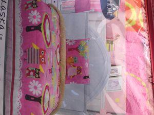 Sherpa twin 2 pc blanket for Sale in Lynwood, CA