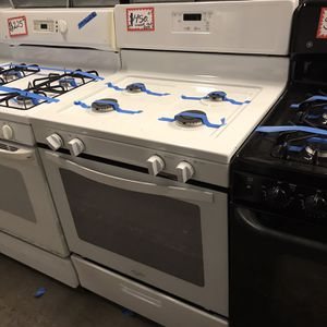 NEW SCRATCH AND DENT WHIRLPOOL GAS STOVE WITH WARRANTY for Sale in Baltimore, MD
