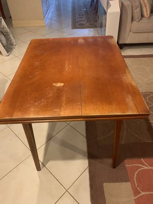 Vintage Antique Cushman Colonial Creations table and chairs for Sale in Pembroke Park, FL