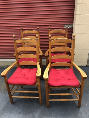Set of 4 Wooden Kitchen Chairs for Sale in Woodbridge, VA