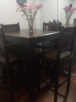 Solid Oak Wooden With Chairs for Sale in Inglewood,  CA