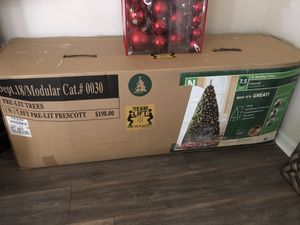 Large 7.5 for Prelit Christmas Tree for Sale in Manassas Park, VA