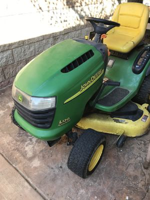 John Deer Lawn Tractor L120 for Sale in Oceanside, CA
