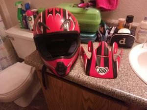 Thh brand dirt bike helmet with face guard for Sale in Vancouver, WA
