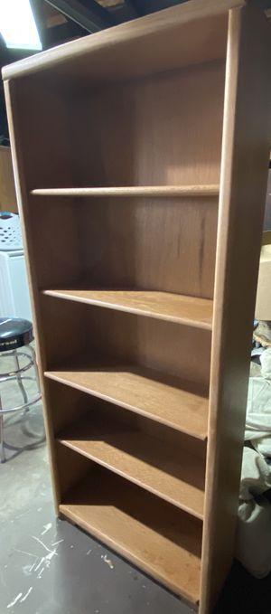Book shelf for Sale in Bellflower, CA