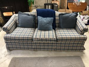 Free Nice Couch! Originally $599 for Sale in Homer Glen, IL