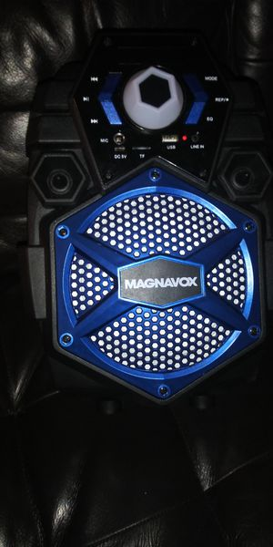 Magnavox portable speaker MHT860 for Sale in Los Angeles, CA