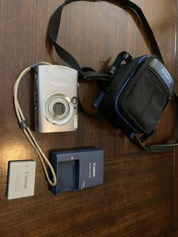 Canon PowerShot SD800 Digital Elph package for Sale in Port Orange,  FL